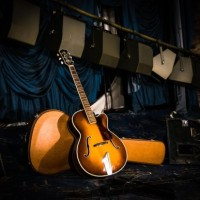 BUDDY HOLLY'S guitar back in Bradford | Classic Pop Icons