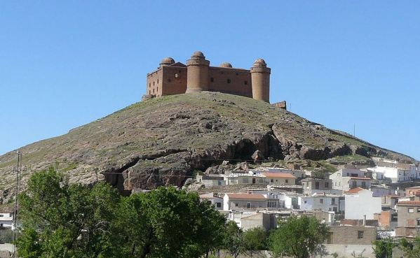 1200px-Castillo_de_la_Calahorra01